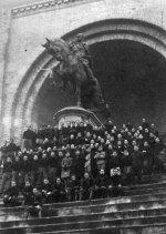 Mussolini statue lo.jpg